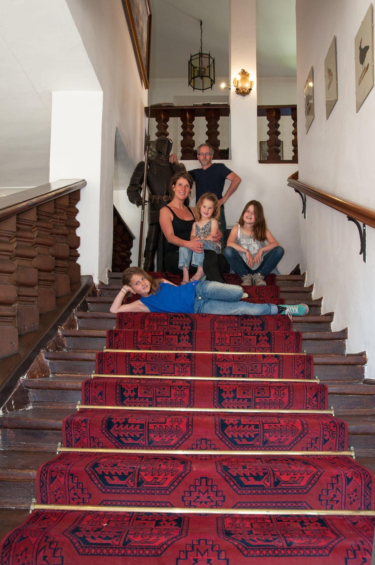 Nedelandse familie emigreren naar een Duits kasteel in Beieren