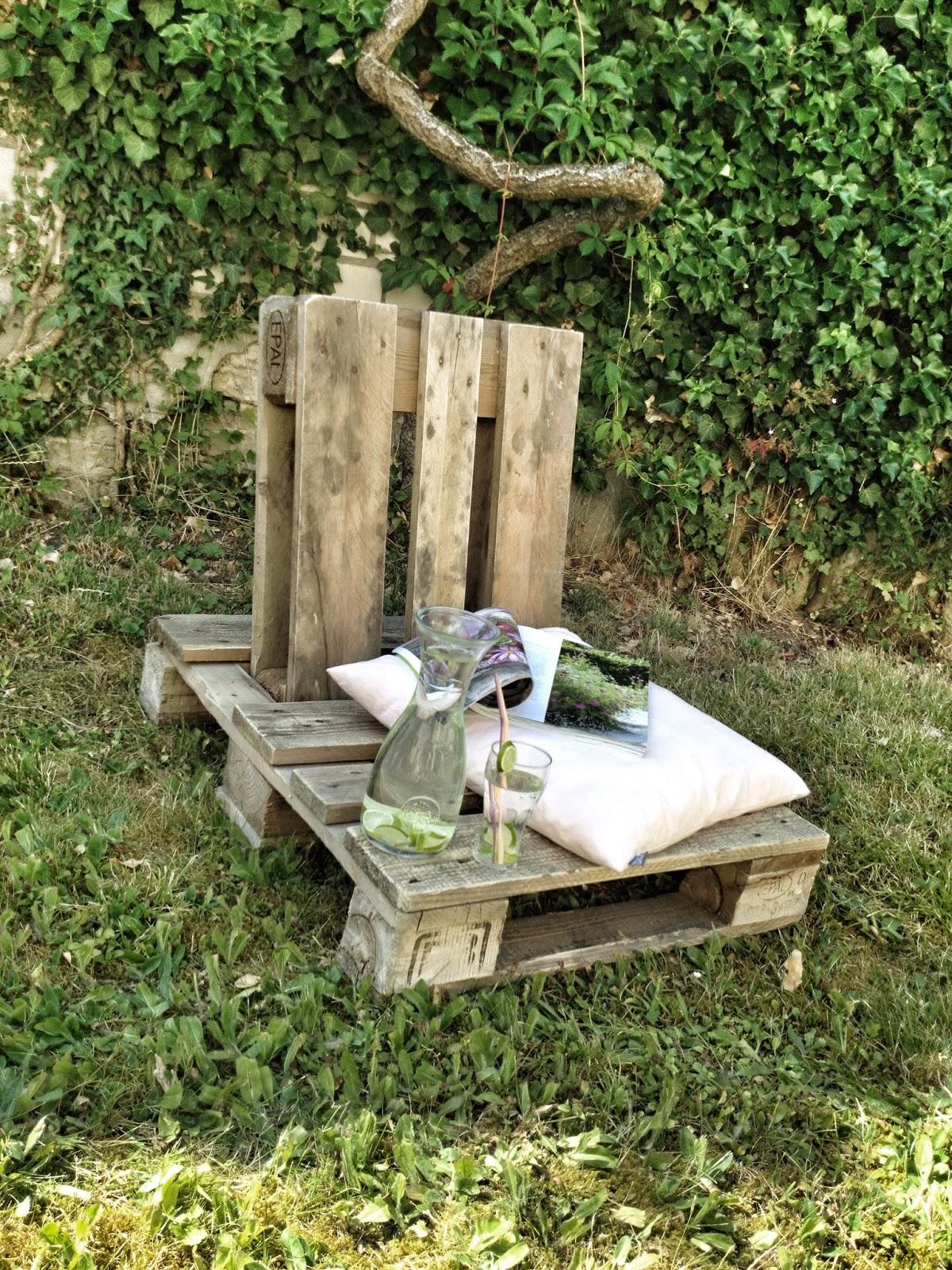 palletstoel zelf maken schloss m hren vakantiehuizen in een kasteel in duitsland. Black Bedroom Furniture Sets. Home Design Ideas