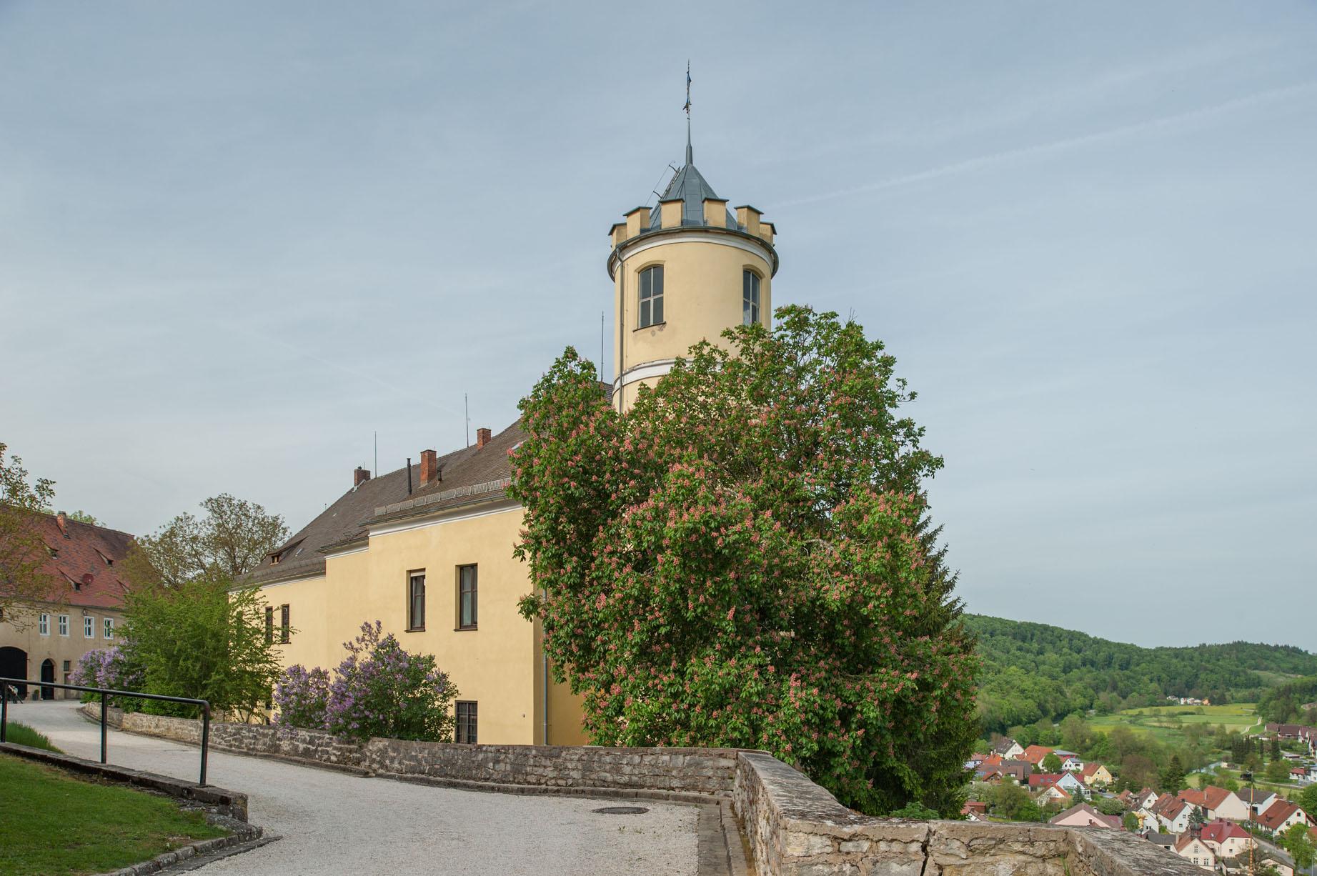 Kasteel met dalzicht landgoed Schloss Möhren