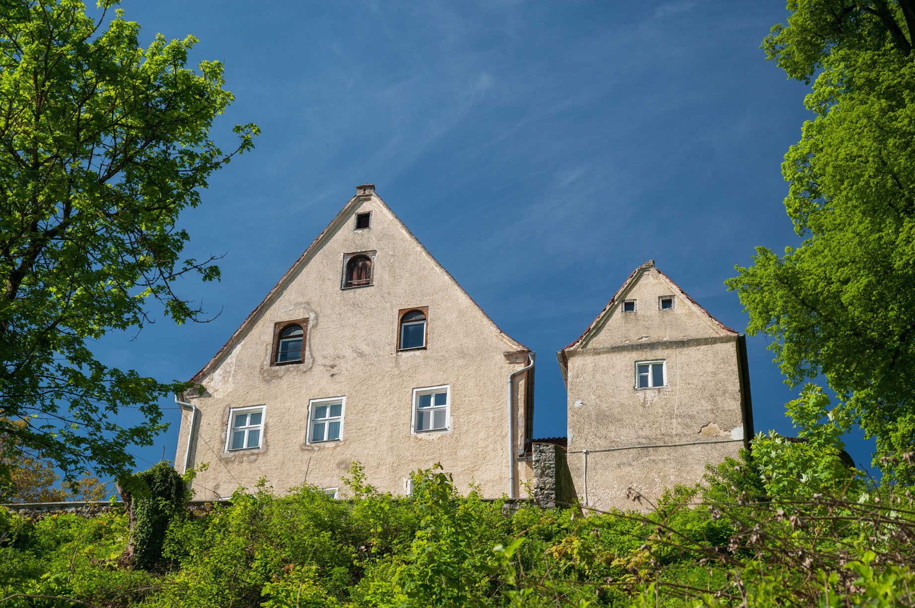 Guthaus en Noordtoren landgoed Schloss Möhren