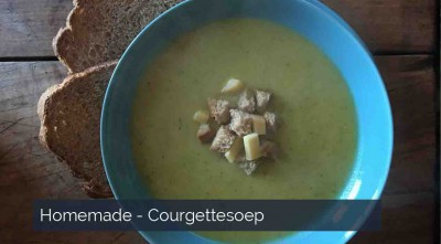 Homemade courgettesoep