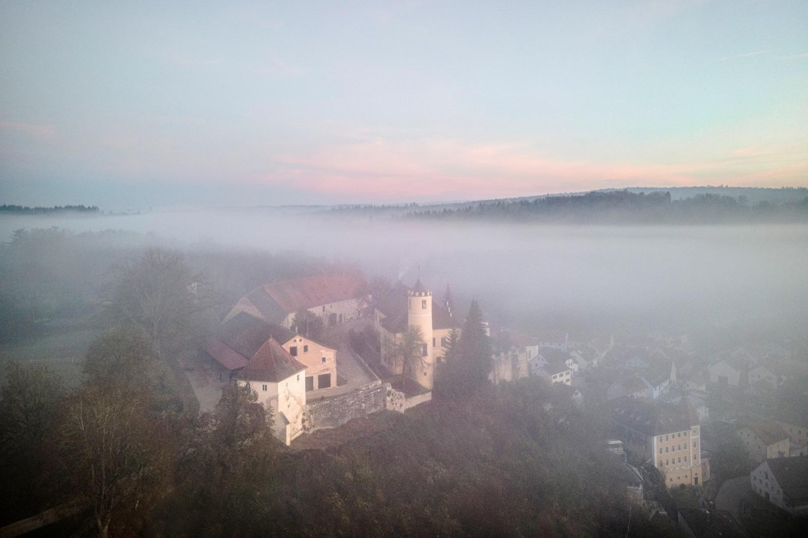 Kasteel in de mist